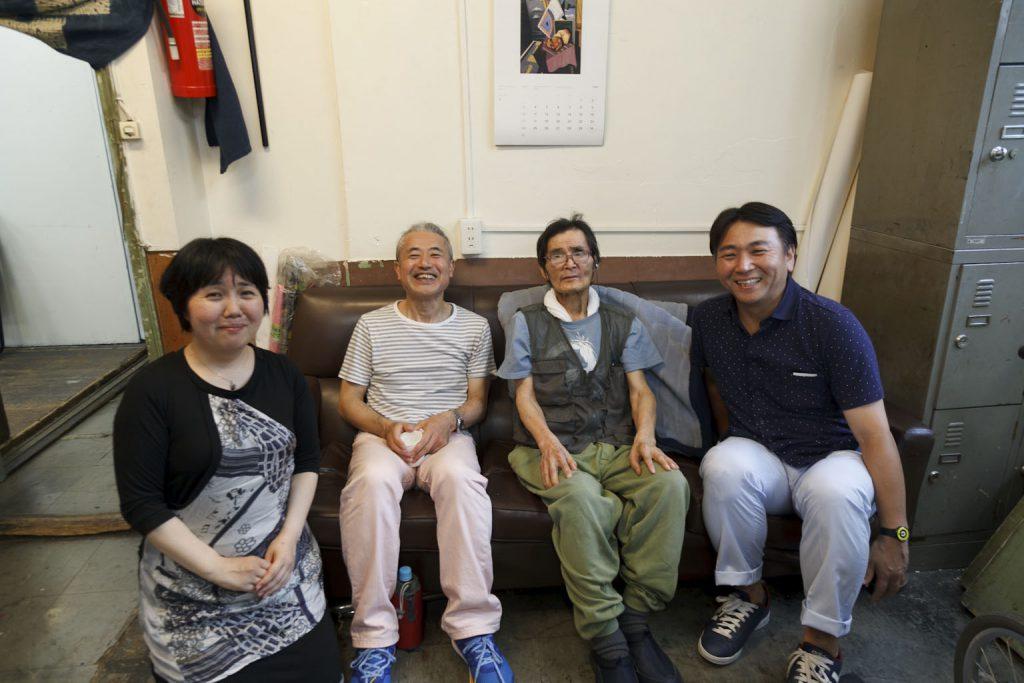 左から、半田晴子、中津川浩章、石井満隆隆、羽永太朗